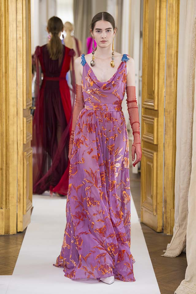 Schiaparelli-fall-winter-2017-fw17-couture (27)-purple-gown