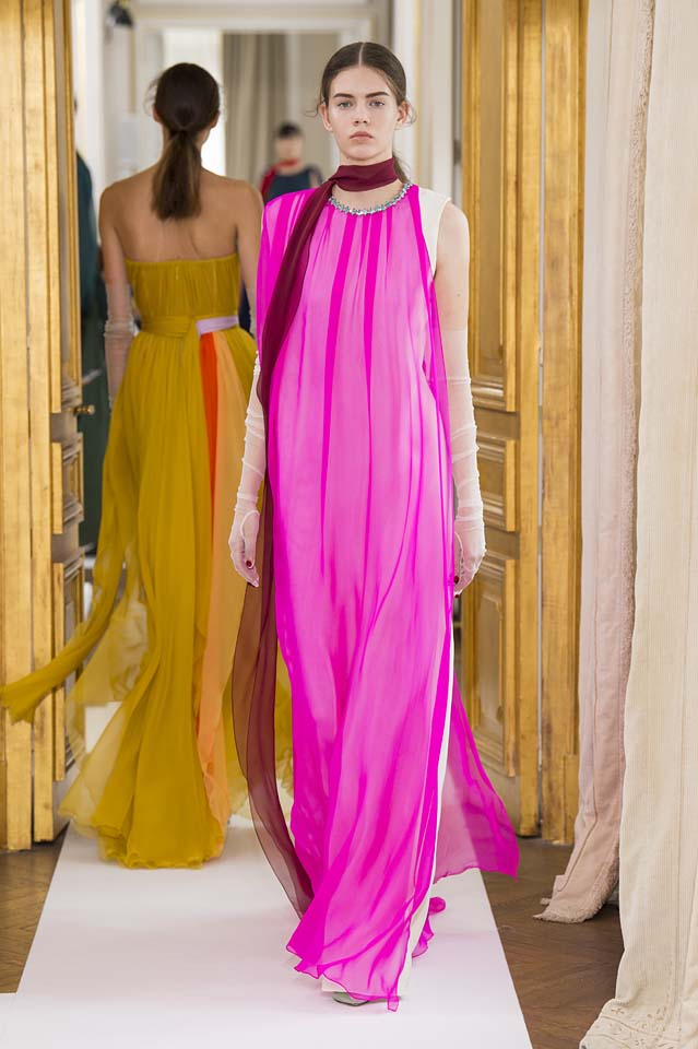 Schiaparelli-fall-winter-2017-fw17-couture (28)-pink-neon-gown
