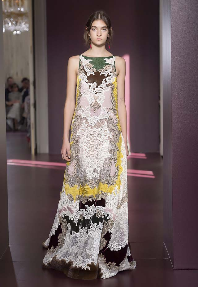 Valentino-fall-winter-2017-haute-couture-collection-dress-38-printed-gown