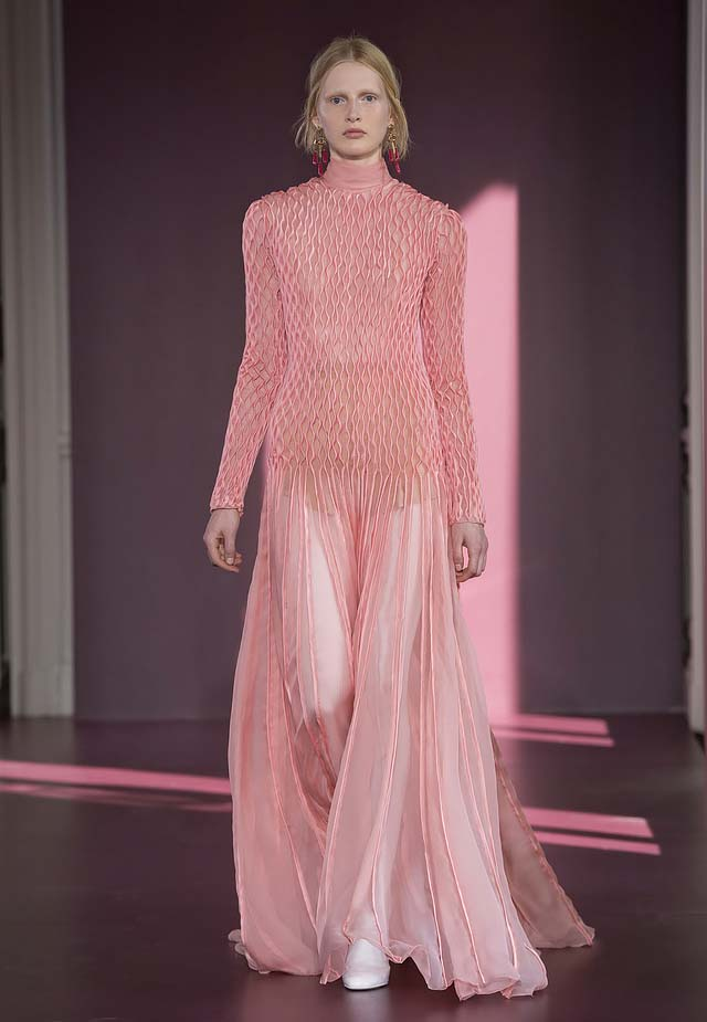 Valentino-fall-winter-2017-haute-couture-collection-dress-55-sheer-pink