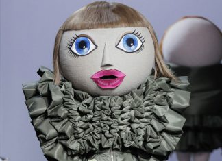 Viktor-&-Rolf-Haute-Couture-2017-collection-fall-winter-action-dolls-fe17-fw17-couture