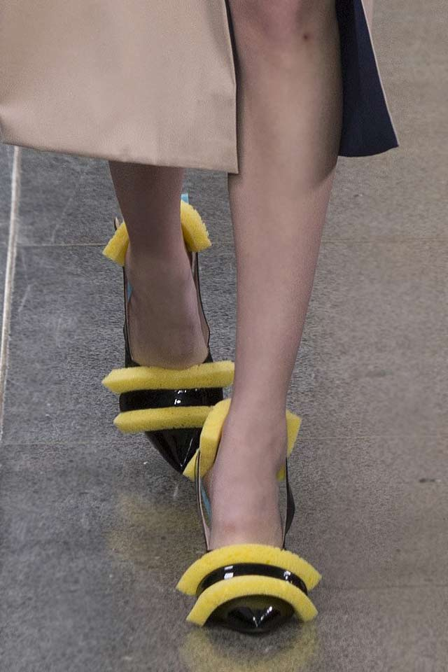 christopher-kane-top-shoe-styles-2017-fur-trimmed-pumps-fall-winter-shoes-fw17