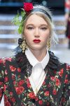 dolce-gabbana-latest-trends-hair-accessories-2017-head-band-rose-applique