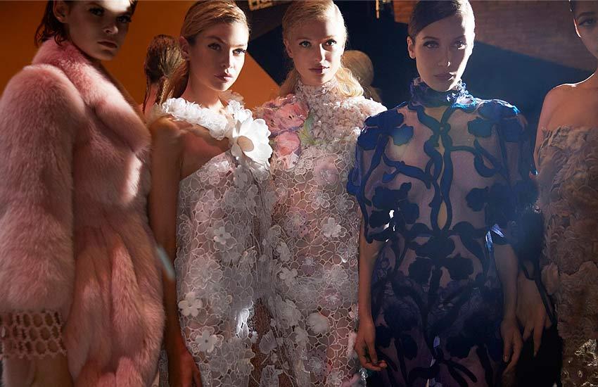 fendi fall-fendi-fall-winter-2017-couture-trends-style-bella-hadid