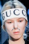 hair-accessories-fashion-2017-fall-winter-gucci-white-logo-head-scarf