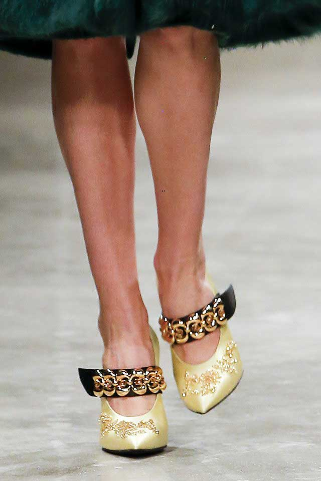 prada-fall-winter-2017-fw17-prada-gold-metallic-shoes-trendy-heels