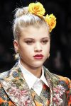 runway-hair-accessories-fall-winter-2017-latest-yellow-floral-hair-pin
