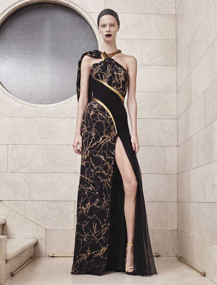 versace-haute-couture-fashion-show-fall-winter-2017 (10)-black-printed-dress