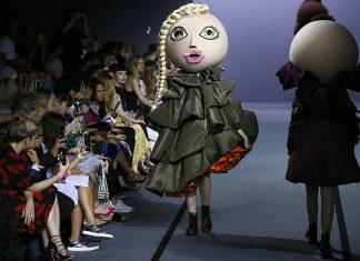 viktor-rolf-fall-winter-2017-couture-asymmetric-dress