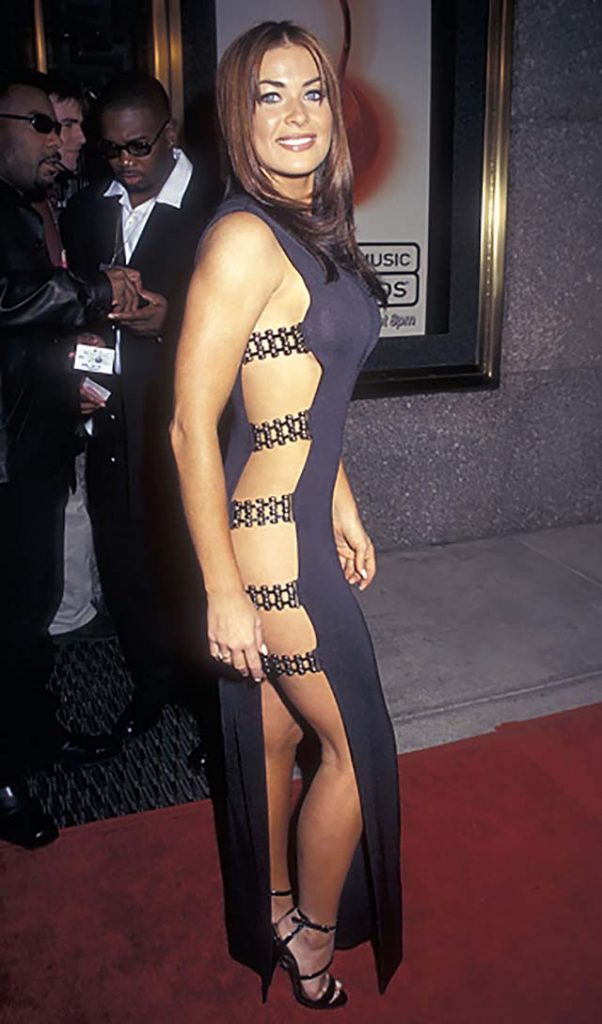 1997-carmen-electra-blue-coktail-dress-video-music-awards.jpg