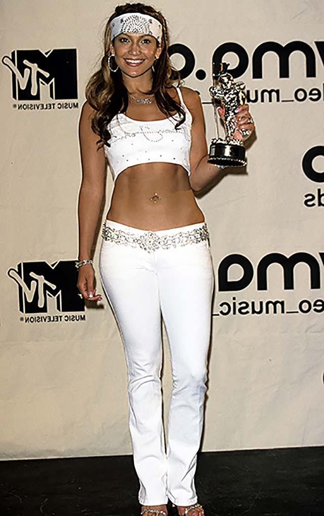 2000-jennifer-lopez-white-matching-dress-vms-most-shocking-