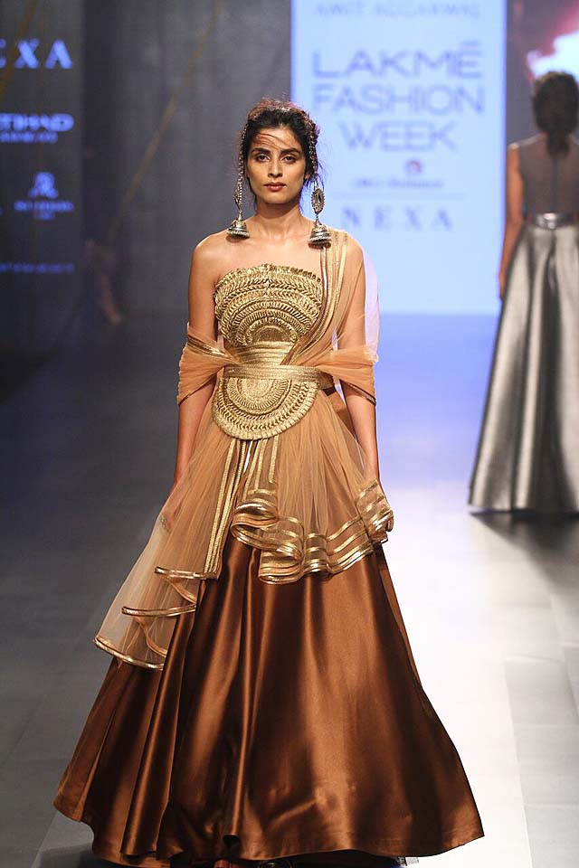 Amit Aggarwal - LFW- AW'17 (1)-layered-gown