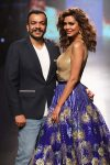 Amit Aggarwal with Esha Gupta - LFW- AW'17 (15)-blue-skirt-golkd-blouse
