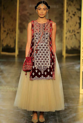 Anita-dongre-icw-17-india-couture-week-collection-dress-1-crop-length-skirt-velvet