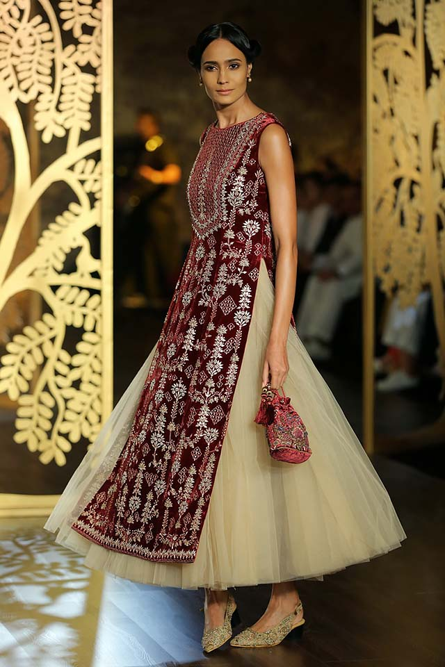 Anita-dongre-icw-17-india-couture-week-collection-dress-4-tulle-skirt