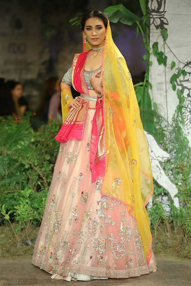 Anju-Modi-icw-17-india-couture-week-collection-dress-17-pastel-ponk-lehenga