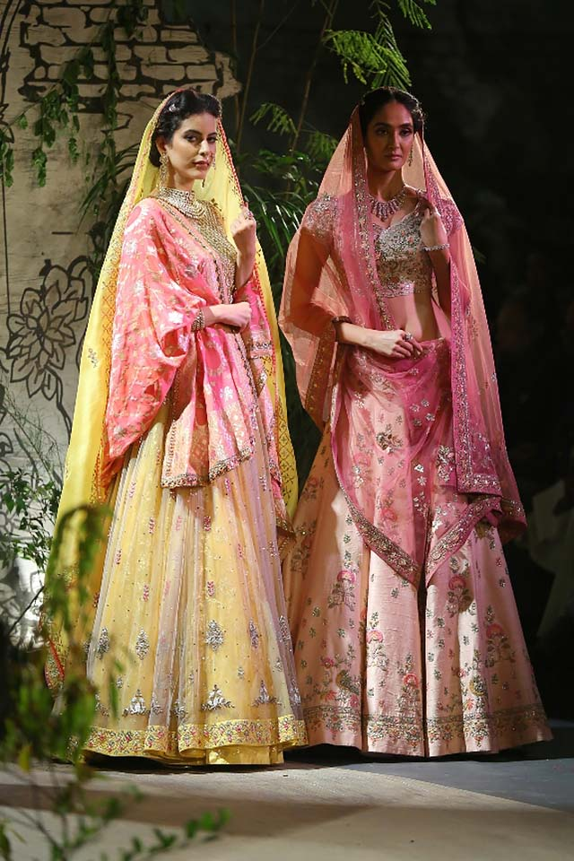 Anju-Modi-icw-17-india-couture-week-collection-dress-20-pastel-colored-lehenga