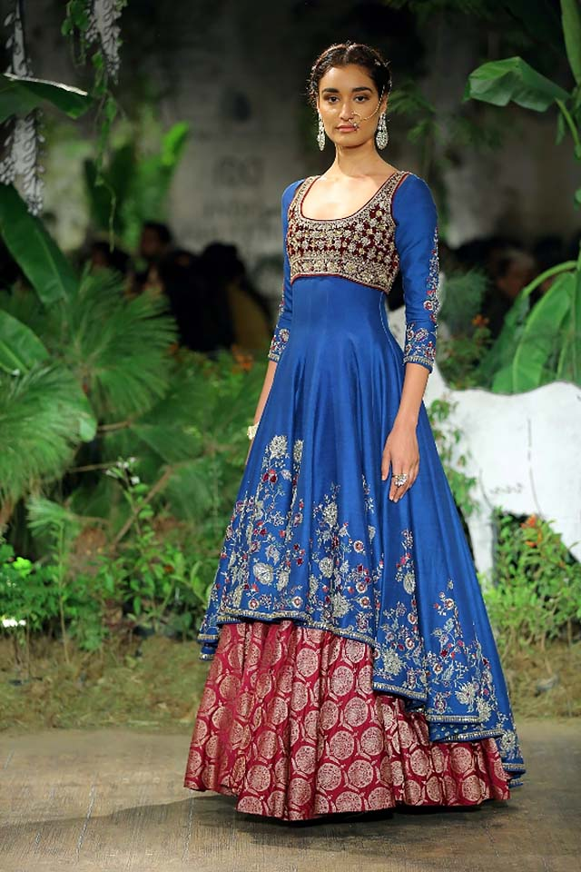 Anju-Modi-icw-17-india-couture-week-collection-dress-21-asymmetrical-gown