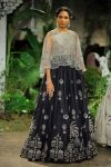 Anju-Modi-icw-17-india-couture-week-collection-dress-8-black-lehenga-cape