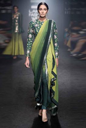 DIVYA-REDDY-dhoti-saree-embellished-blouse-lfw-winter-festive-2017