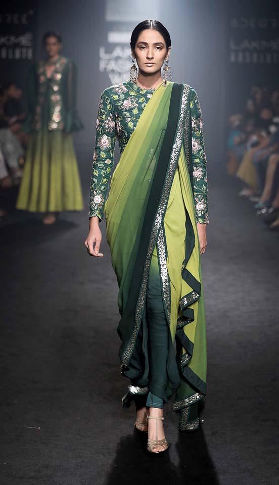 DIVYA REDDY-dhoti-saree-embellished-blouse-lfw-winter-festive-2017