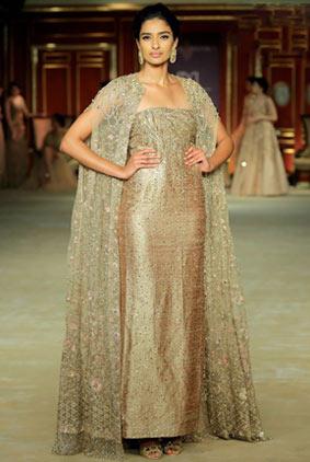 India-couture-week-2017-indian-designer-ShyamalBhumika-1-strapless-embellished-dress-jacket