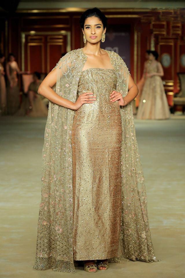 India-couture-week-2017-indian-designer-Shyamal&Bhumika- (1)-strapless-embellished-dress-jacket