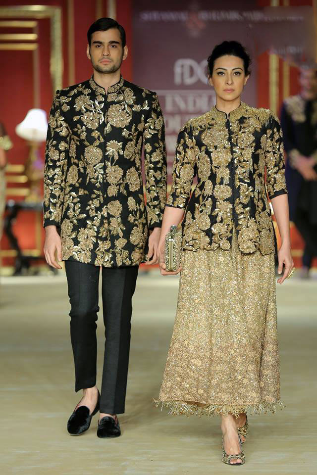 India-couture-week-2017-indian-designer-Shyamal&Bhumika- (10)-flower-sequins-maxi-skirt-bundhgala-balck-color