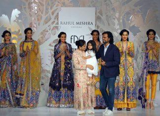 India-couture-week-icw17-indian-designer-rahul-mishra- (21)-models-show-stopper-lehenga-dresses