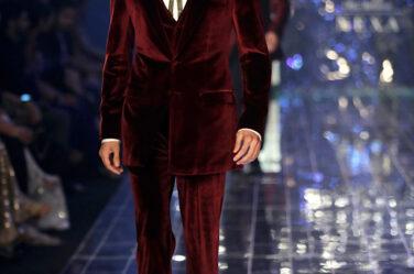 MANISH MALHOTRA LAKME FASHION WEEK WINTER FESTIVE 2017 mens-suit