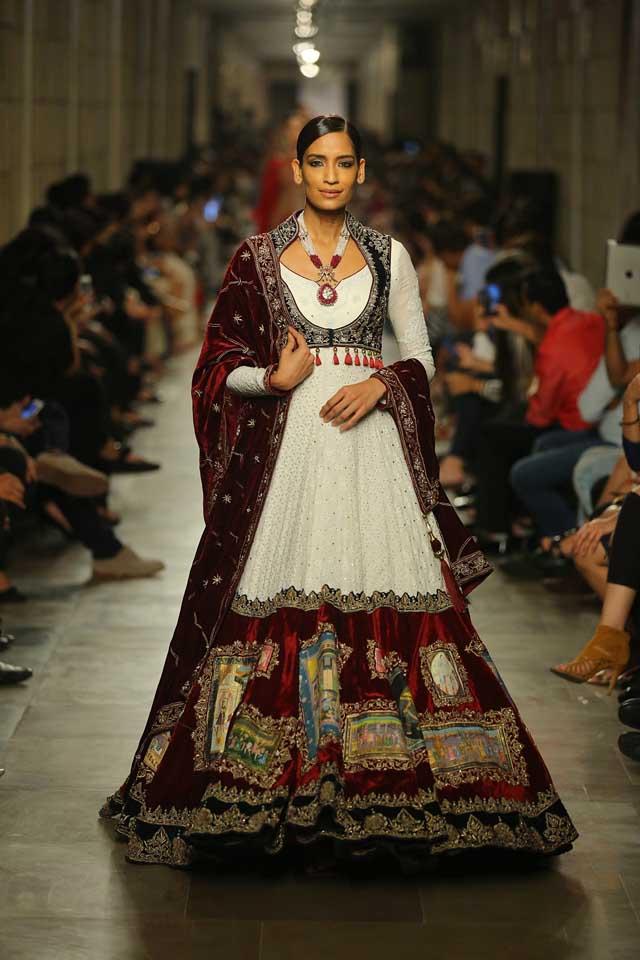 Manav-Gangwani-India-Couture-Week-2017 (2)-anarkali-velvet-white