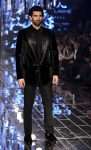 SHOWSTOPPER ADITYA ROY KAPOOR-MANISH MALHOTRA-LAKME FASHION WEEK WINTER FESTIVE 2017
