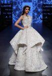 Showstopper-Diana-Penty-Shriya-Som-Lakme-Fashion-Week-Winter-Festive 2017 (2)-layered-white