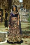 Tarun-Tahiliani-icw-17-india-couture-week-collection-dress-5-velvet-floral-lehenga