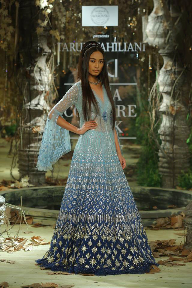 Tarun-Tahiliani-icw-17-india-couture-week-collection-dress-6-statement-sleeves-blue