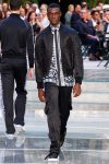 bomber-jacket-versace-all-black-outfit-ss18-prints