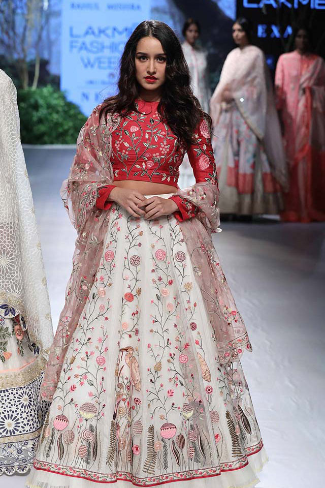 celeb-SHRADDHA-KAPOOR--RAHUL-MISHRA-floral-lehenga-AT-LAKME-FASHION-WEEK-WINTER-FESTIVE-2017