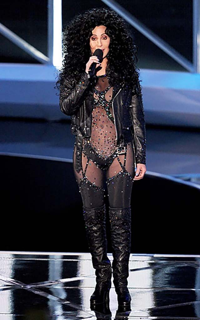 cher-2010-black-body-suit-mtv-vma-red-carpet-fashion