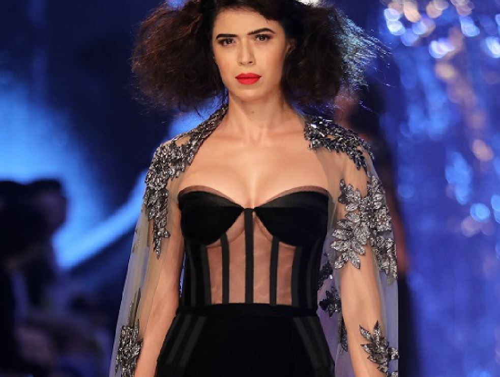 Manish Malhotra Winter Festive 2017a