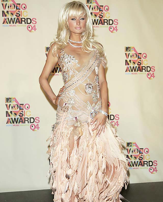 paris-hilton-mtv-vma-looks-red-carppet-style-gown-.jpg