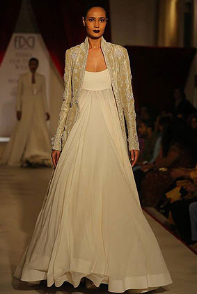 rohit-bal-icw17-indian-designer-india-couture-week-2017-long-jacket-gown