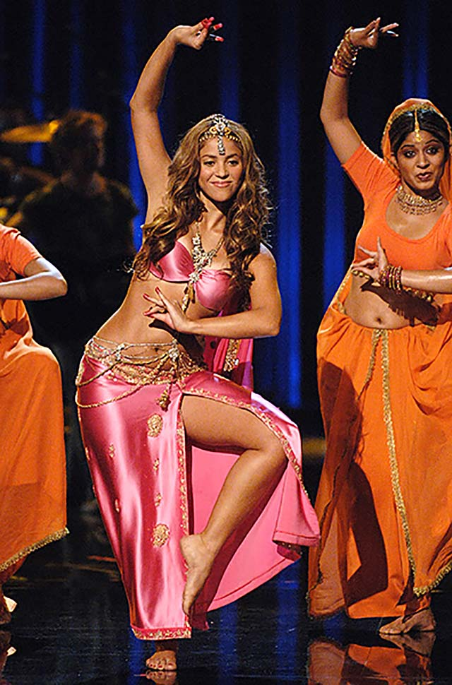 shakira-2006-silk-pink-indowestern-dress-jewelry