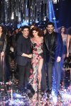 show-manish-malhotra-lakme-fashion-week-winter-festive-2017