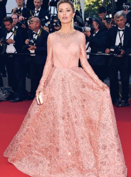 14-Victoria-Bonya-Georges-hobeika-full-sleeved-gown-cannes-film-festival-2017-handbag