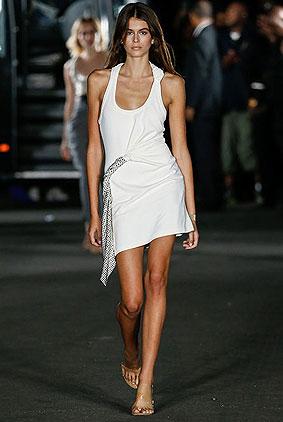 Designer-Alexander-wang-spring-summer-2018-collections-SS18-rtw-1-white-dress
