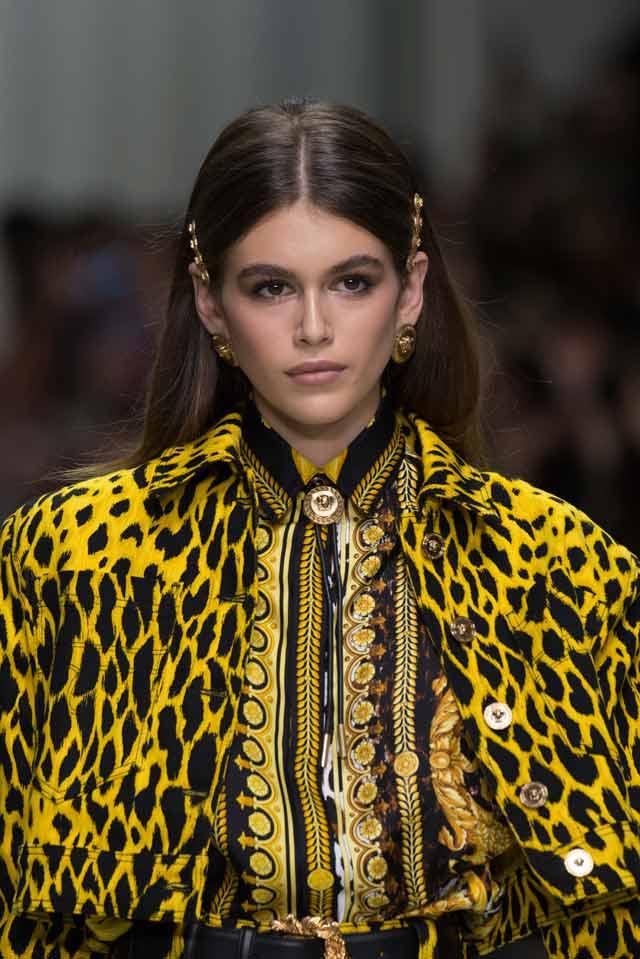 Versace-spring-summer-2018-rtw-details-accessories (1)-kaia-gerber-barrette