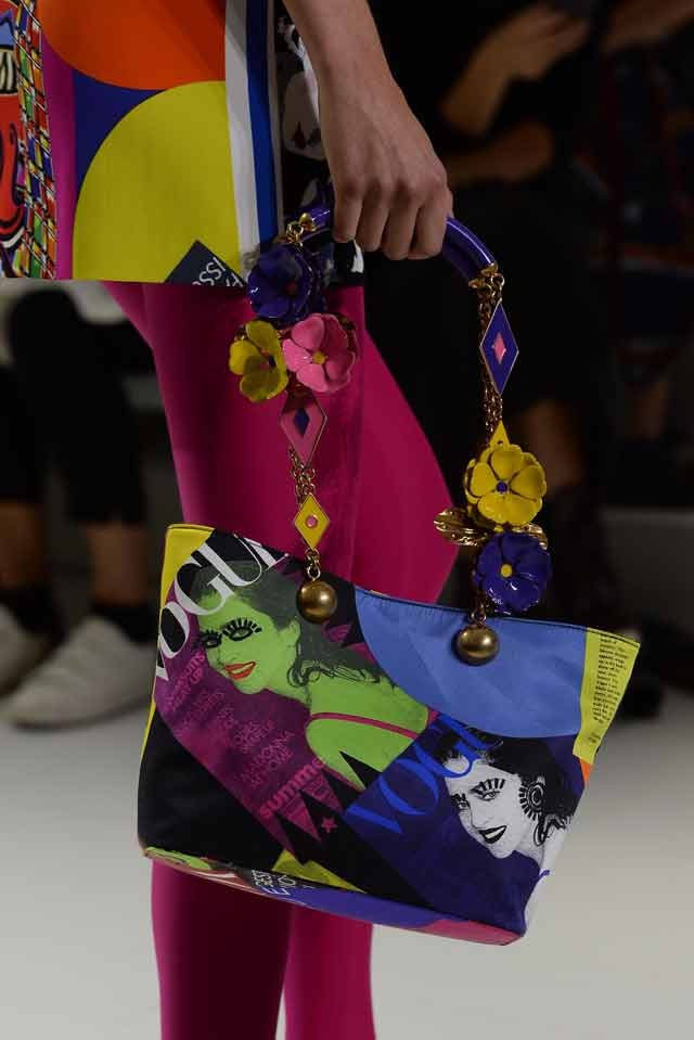 Versace-spring-summer-2018-rtw-details-accessories (47)-floral-vogue-print-bag