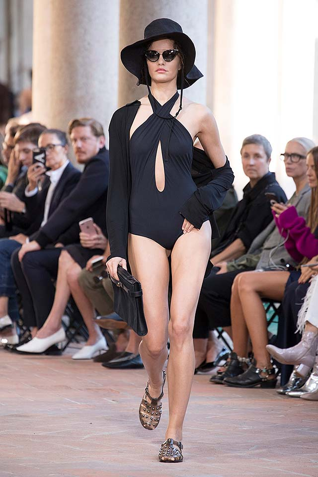 alberta-ferretti-spring-summer-2018-ss18-rtw-collection (6)-all-black-outfit