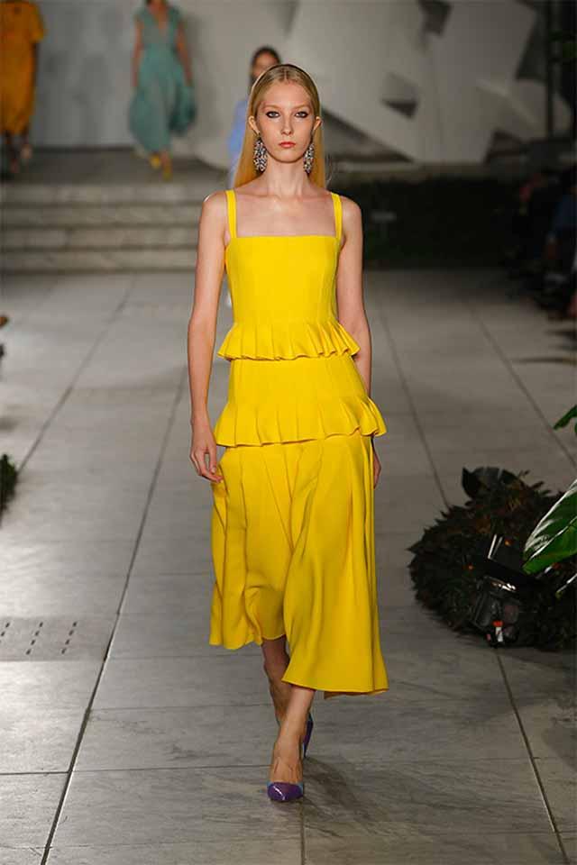 carolina-herrera-spring-summer-2018-ss18-rtw-collection (14)-yellow-culottes-look