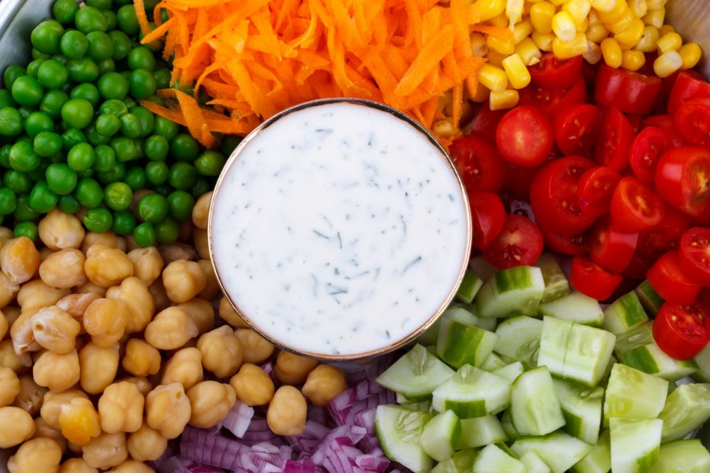 chickpea-salad-soup-veggies-tomatoes-evening-healthy-snacks